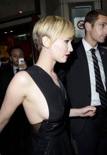 Jennifer Lawrence [1600x2326] [216.52 kb]
