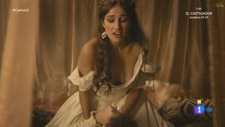 Ariana Martínez en Carlos Rey Emperador [1920x1080] [213.21 kb]