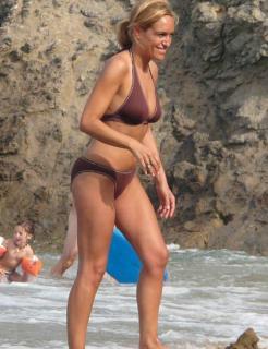 Luján Argüelles en Bikini [423x550] [42.97 kb]