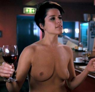 Neve Campbell Nude [815x793] [54.1 kb]