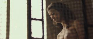 María Pedraza en Amar Desnuda [1600x670] [81.3 kb]