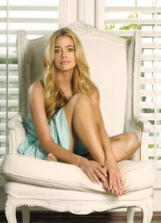 Denise Richards [800x1103] [138.48 kb]