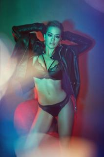 Rita Ora en Vanity Fair [2600x3896] [1853.05 kb]