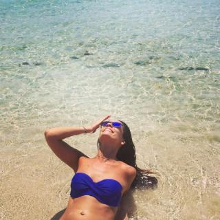 Ana Cuesta en Bikini [1080x1080] [285.97 kb]