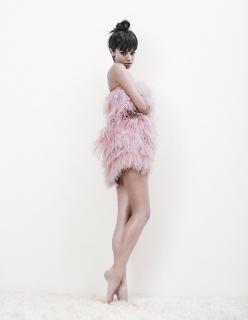 Katy Saunders en Grazia [700x900] [62.9 kb]