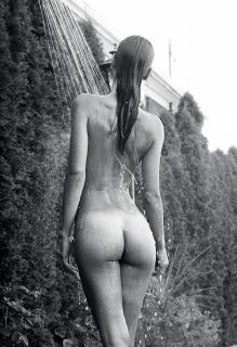 Elisa Meliani en Yume Magazine Desnuda [1140x1663] [613.1 kb]