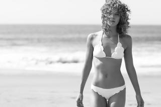 Jasmine Sanders en Bikini [900x600] [57.24 kb]