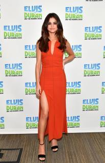 Selena Gomez [740x1148] [211.04 kb]