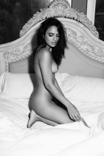 Nina Daniele en Playboy Desnuda [1920x2880] [637.64 kb]