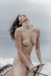 Kendall Jenner en Angels Desnuda [3000x4500] [699.65 kb]