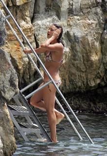 Michelle Rodriguez [1542x2235] [553.02 kb]