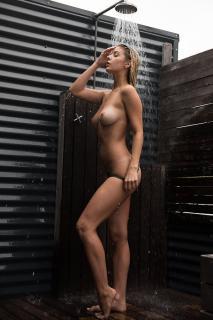 Ashley Marie Dickerson Desnuda [601x900] [106.24 kb]