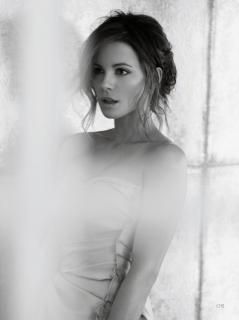 Kate Beckinsale [1536x2056] [234.14 kb]
