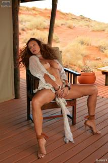 Sonja Kirchberger en Playboy Desnuda [1200x1800] [378.33 kb]