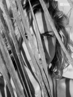Maggie Civantos en Revista Mine [1536x2048] [690.07 kb]