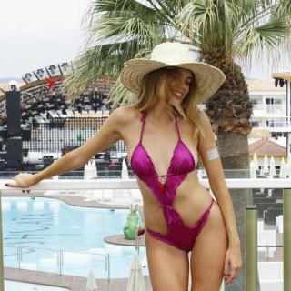 Mirian Pérez en Bikini [600x600] [111.61 kb]