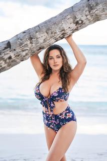 Kelly Brook en Calendario 2019 [2597x3900] [1144.5 kb]