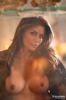 Sabia Boulahrouz en Playboy Desnuda [1667x2500] [923.92 kb]