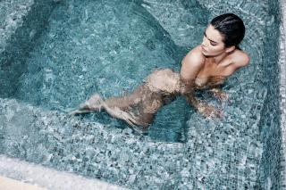 Kendall Jenner en Angels Desnuda [4500x3000] [3076.08 kb]
