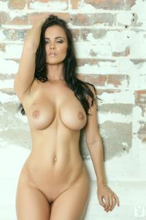 Emma Glover en Playboy Desnuda [978x1467] [227.13 kb]