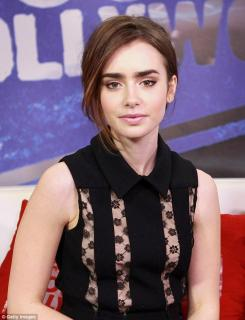 Lily Collins [634x827] [63.39 kb]