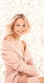 Jennifer Lawrence [676x1280] [161.92 kb]