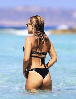 Berta Collado en Bikini [615x800] [88.43 kb]