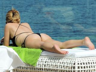 Marta Sánchez en Bikini [800x600] [104.1 kb]