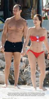 Andrea Legarreta en Bikini [788x1572] [152.97 kb]
