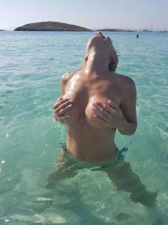 Marlene Mourreau en Topless [768x1024] [129.45 kb]