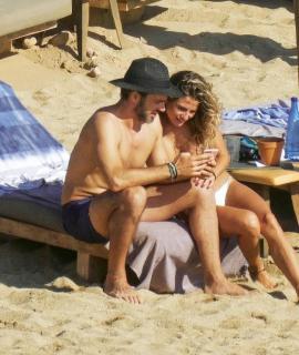Cristina Marino en Topless [627x741] [132.61 kb]