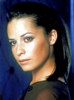 Holly Marie Combs [565x759] [53.32 kb]