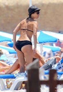Maribel Verdú in Bikini [827x1200] [164.49 kb]