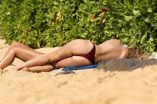Toni Garrn en Topless [3500x2333] [883.41 kb]