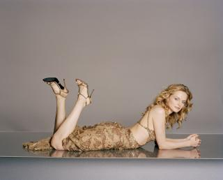 Heather Graham [3000x2422] [1352.08 kb]