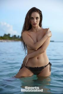 Alexa Ray Joel en Si Swimsuit 2017 [1280x1920] [201.1 kb]