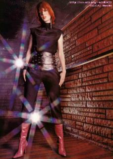 Shirley Manson [715x1000] [120.4 kb]