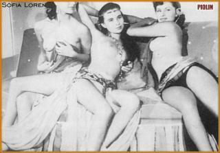 Sophia Loren [811x566] [67.41 kb]