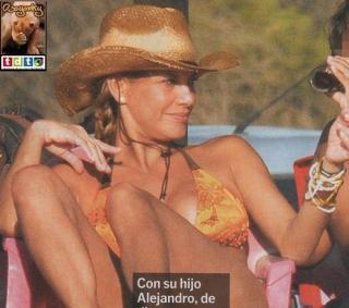 Ivonne Reyes en Bikini [519x459] [84.03 kb]