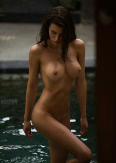Silvia Caruso Desnuda [914x1280] [150.16 kb]