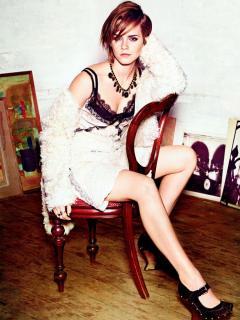 Emma Watson [900x1200] [175.3 kb]