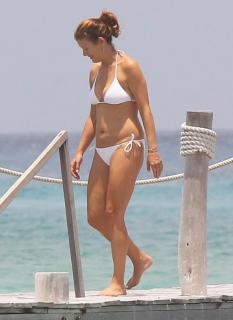 Kate Walsh en Bikini [800x1098] [66.52 kb]