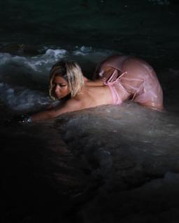 Nicki Minaj [1080x1350] [100.32 kb]