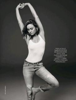 Brie Larson [2304x3000] [632.06 kb]