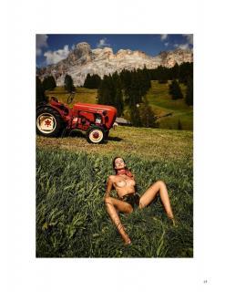 Julia Prokopy en Playboy Desnuda [1006x1300] [312.12 kb]