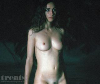 Rebecca Dayan en Treats! Magazine Desnuda [750x632] [77.41 kb]