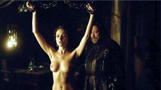 Karen Hassan en Vikings Desnuda [1280x720] [129.54 kb]