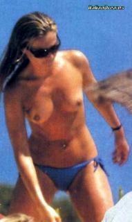 Federica Panicucci en Topless [500x836] [43.6 kb]