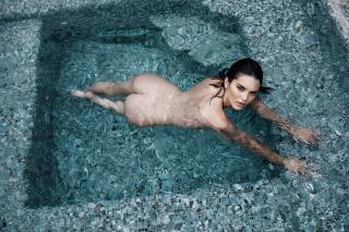 Kendall Jenner en Angels Desnuda [4500x3000] [2478.34 kb]