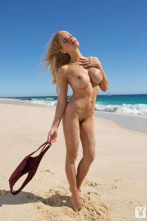 Dani Mathers en playboy desnuda [683x1024] [101.9 kb]